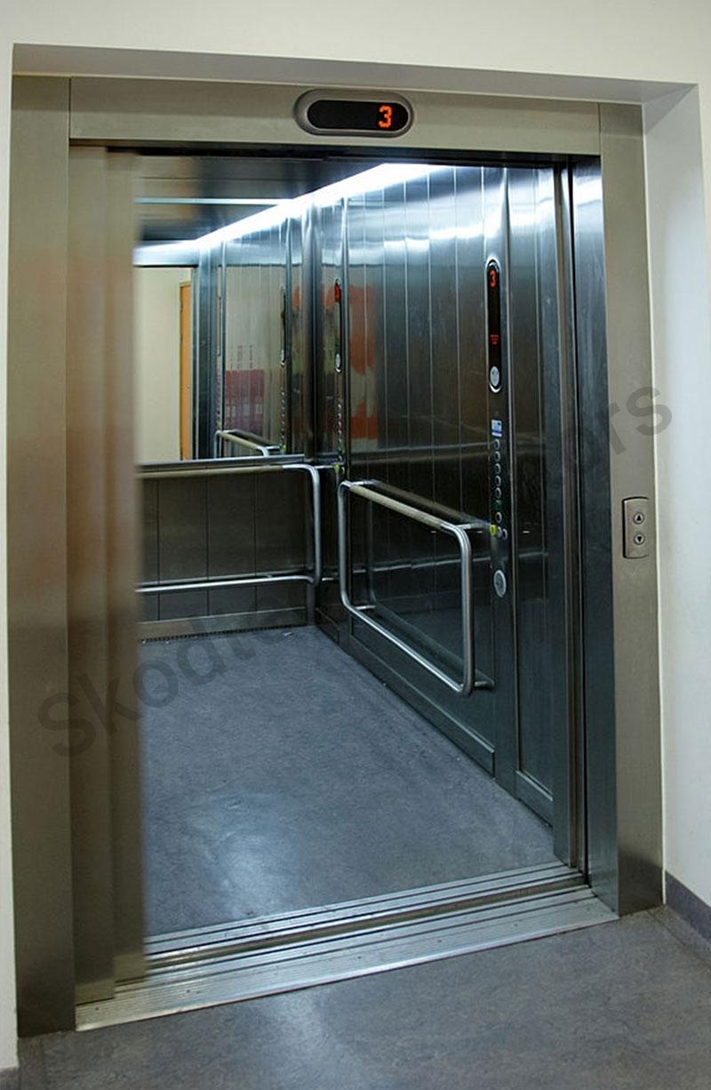 Hospital-Elevator-in-dubai-1