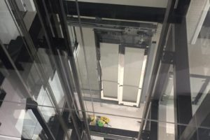 Panoramic home lift (4)